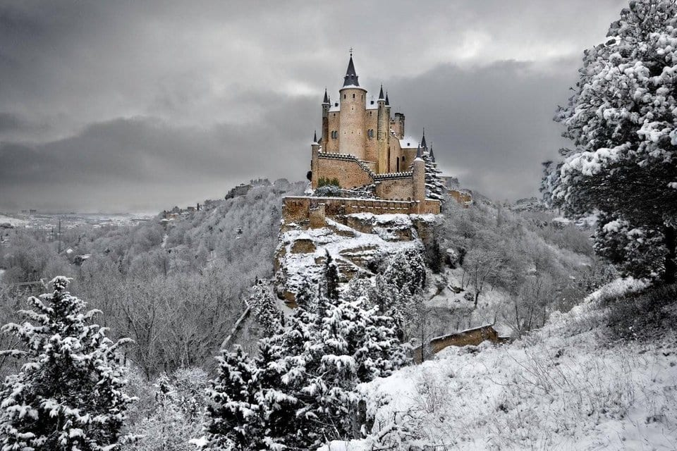 Castle, Mystentine, Wolflock, Puinteyle